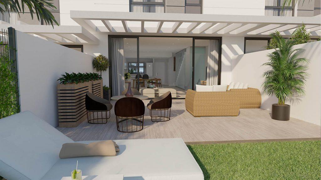 Patio exterior de una casa adosada de obra nueva en San Juan de Alicante